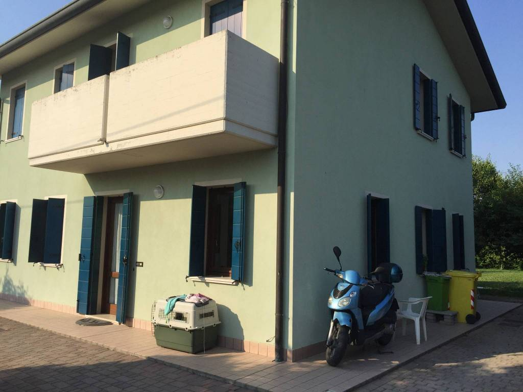 Agenzia Immobiliare Vigodarzere vendita villa bifamiliare in via spinetti vigodarzere