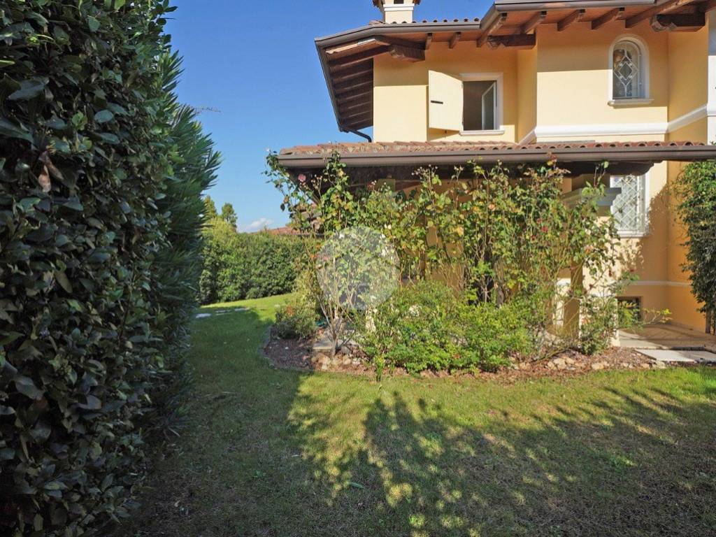 foto facciata Villa bifamiliare via Cantarane, Manerba del Garda