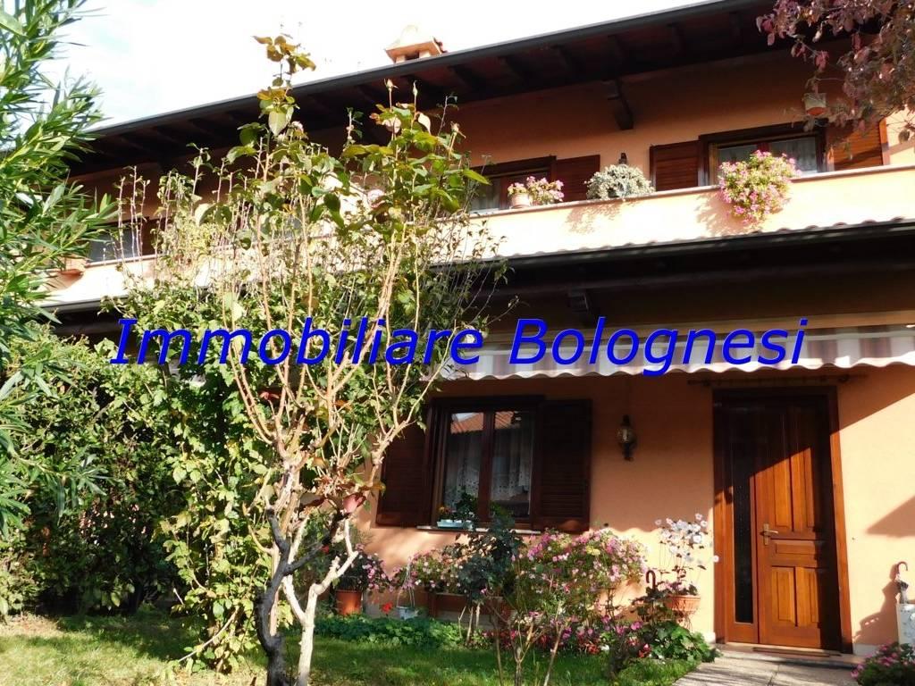foto esterno Villa bifamiliare via Beata Giuliana 55, Samarate