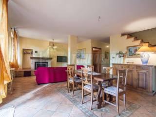 Foto - Villa a schiera via Moncorno 1, Mozzate