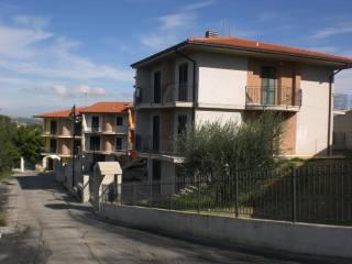 Foto - Villa a schiera 5 locali, nuova, Castorano