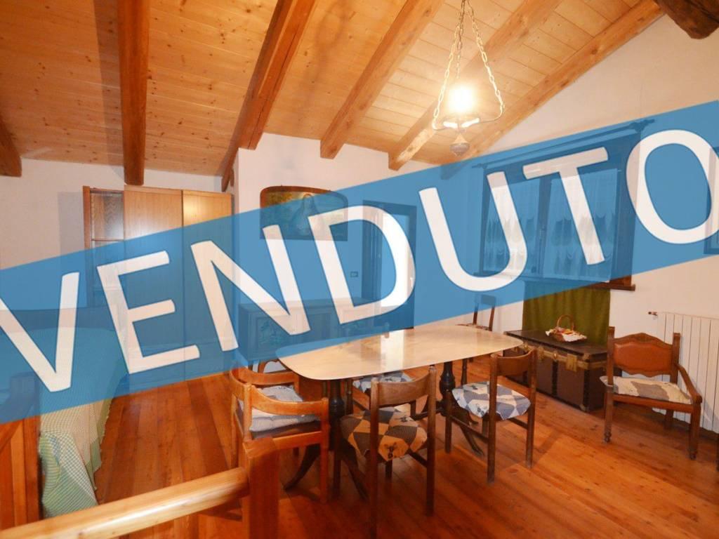 foto  Single-family townhouse 180 sq.m., good condition, Usseaux