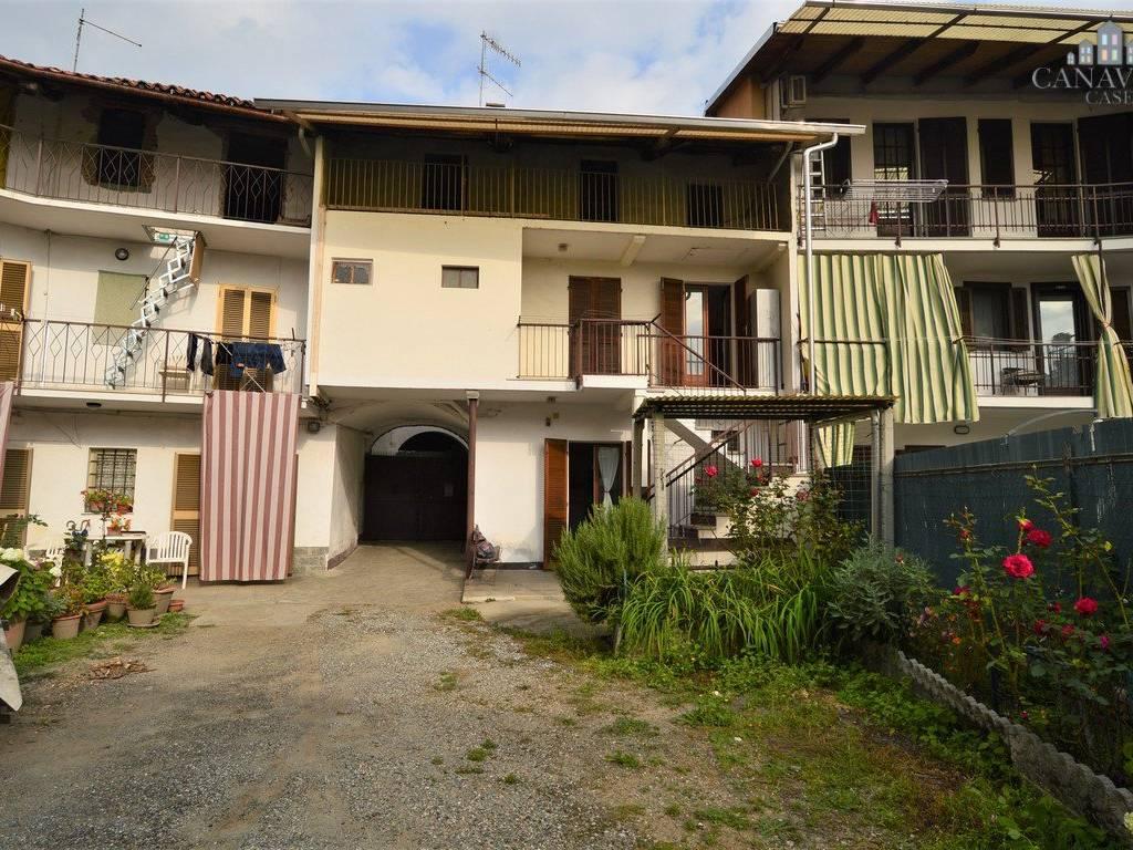 foto facciata Detached house via Sclopis 15, Salerano Canavese