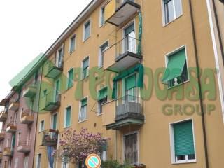 Photo - 3-room flat via Ugo Foscolo 18, Vimodrone
