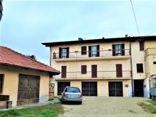 Photo - 4-room flat via Vittorio Veneto, 3, Campiglione-Fenile