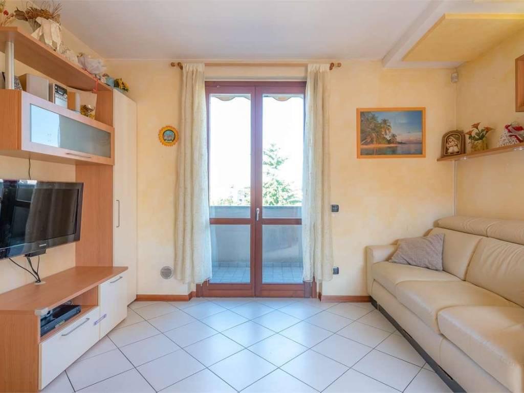 foto SOGGIORNO 3-room flat excellent condition, first floor, Arosio