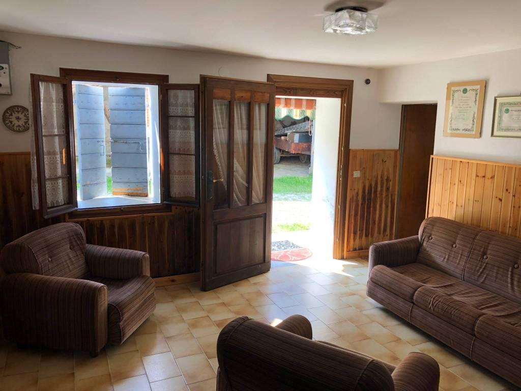 foto ingresso Two-family villa via La Valle, Monfumo
