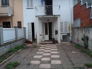 Photo - Terraced house via Galileo Ferraris, Asigliano Vercellese
