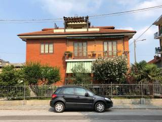 Photo - 4-room flat good condition, mezzanine, Luserna San Giovanni