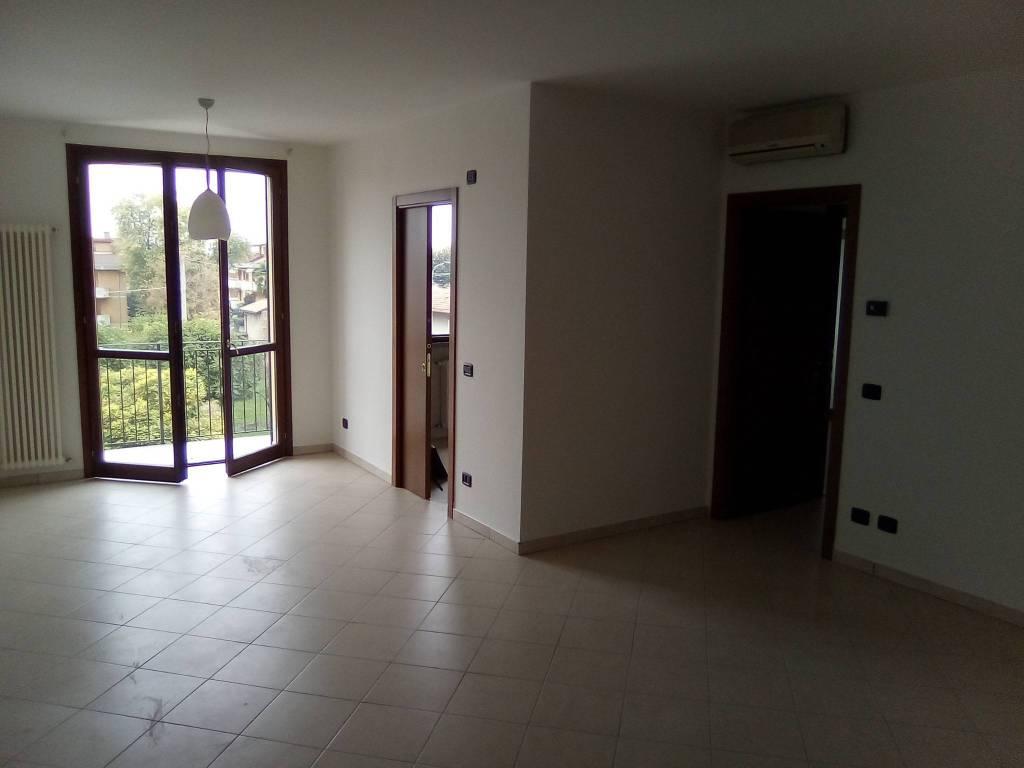 foto  3-room flat excellent condition, second floor, Boretto