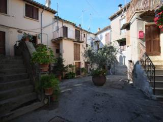 Фотография - Студия piazza del Borgo, Ginestra Sabina, Monteleone Sabino