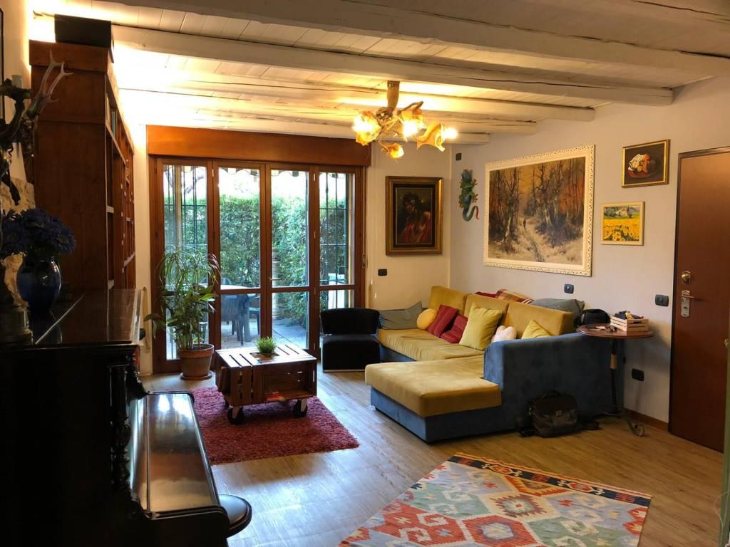 foto SOGGIORNO 4-room flat via Giacomo Matteotti 8, Cesano Boscone