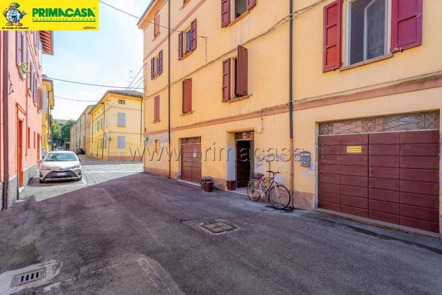 foto  2-room flat via Benedetto Cairoli, Correggio