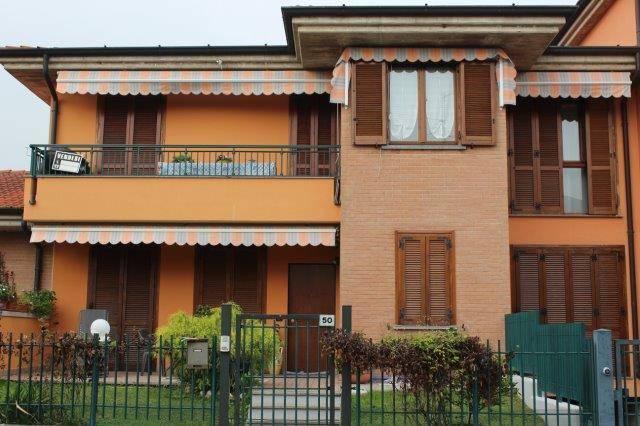 foto ANTEGNATE Piso de cuatro habitaciones via Giacomo Leopardi, Antegnate