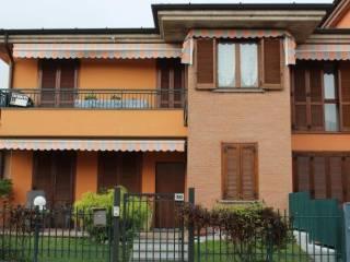 Foto - Piso de cuatro habitaciones via Giacomo Leopardi, Antegnate