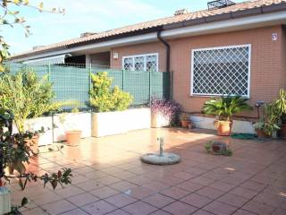 Photo - 4-room flat good condition, first floor, Infernetto, Roma