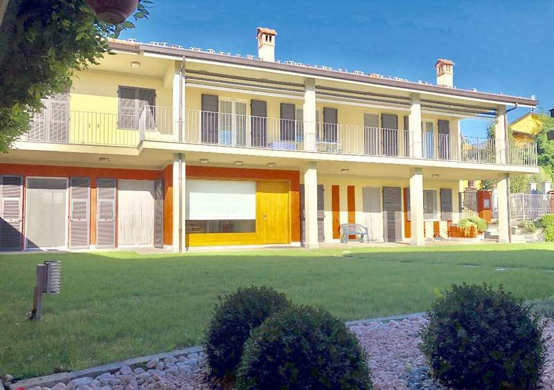 foto  Single-family townhouse 600 sq.m., excellent condition, Baldissero d'Alba