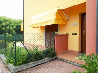 Foto - Trilocale ottimo stato, piano terra, Borgo Ticino