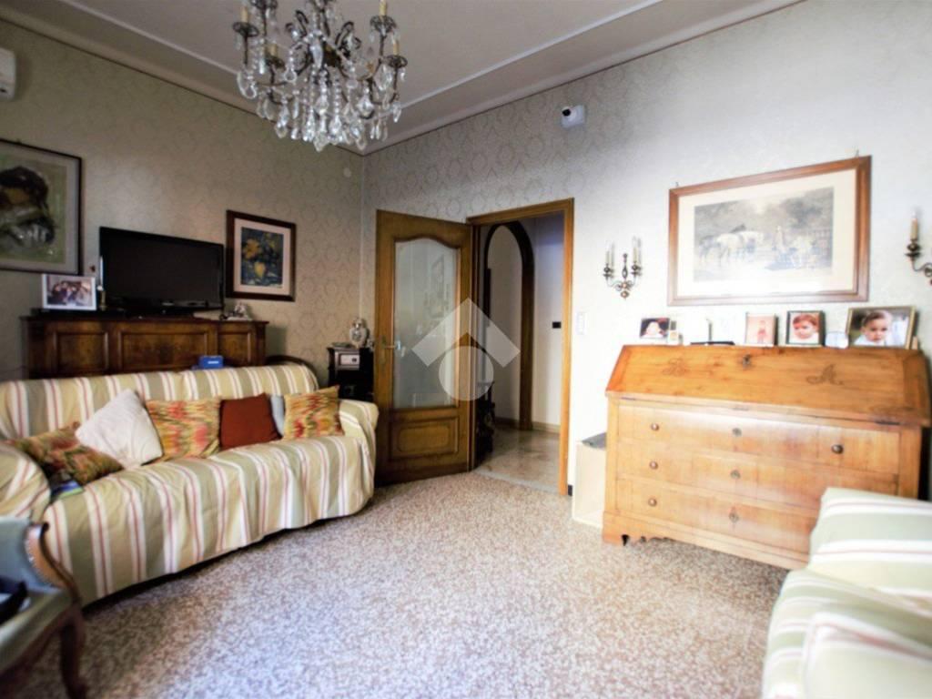 foto  Apartment good condition, mezzanine, Novi Ligure