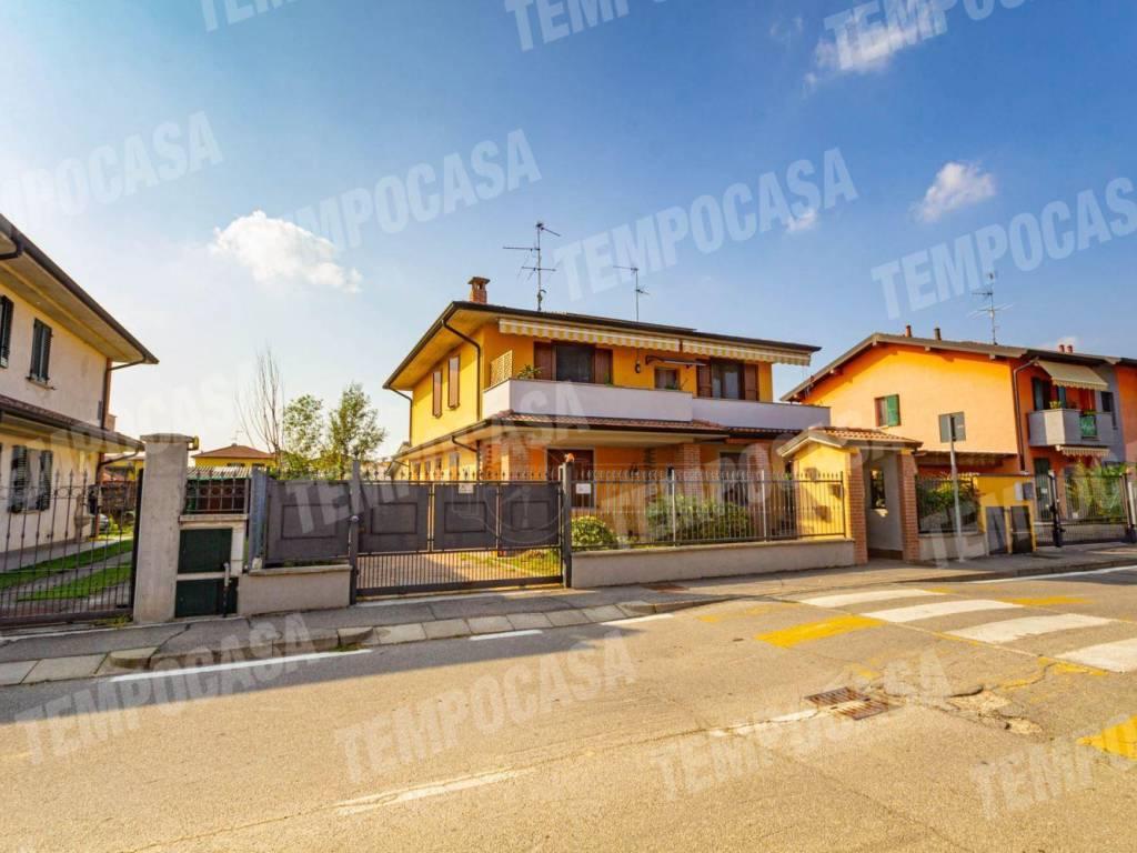 foto Villa Terraced house via Boschina, Capralba