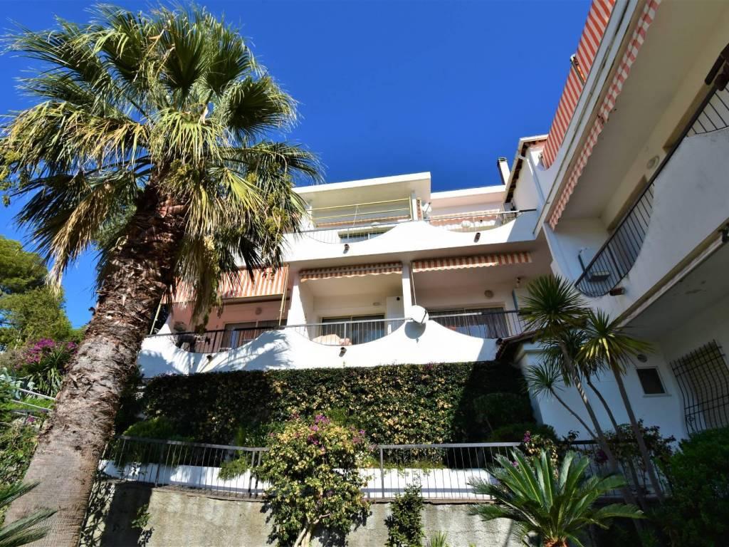Vendita Case In Olanda vendita appartamento andora. bilocale in viale olanda, 15