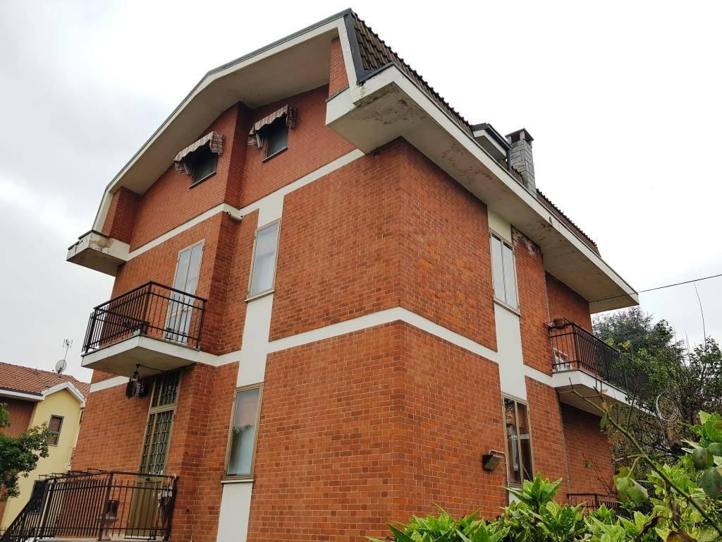 foto  Two-family villa via Belli, Nichelino