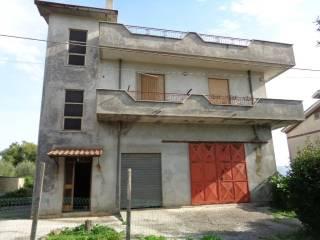Photo - Single family villa viale Alessandro Manzoni, Lariano