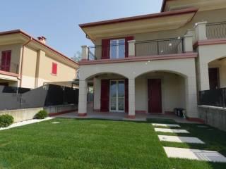 Foto - Villa bifamiliare via della Sorgente 26, Corte Franca
