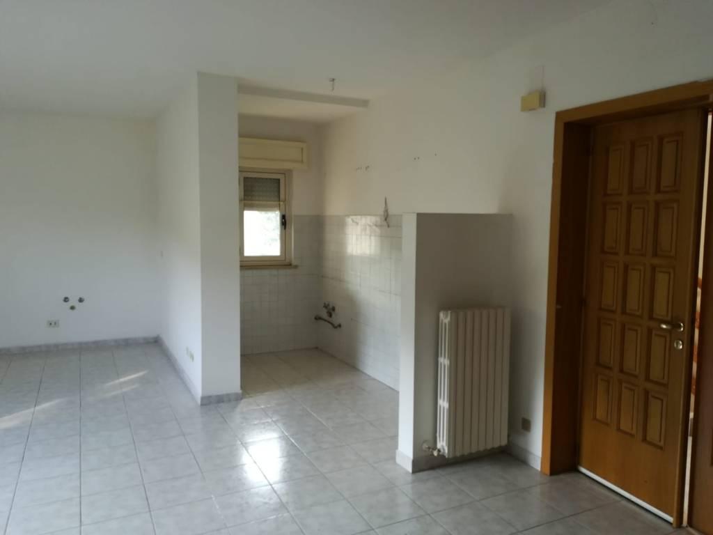 foto  Single-family townhouse 282 sq.m., good condition, Arsita