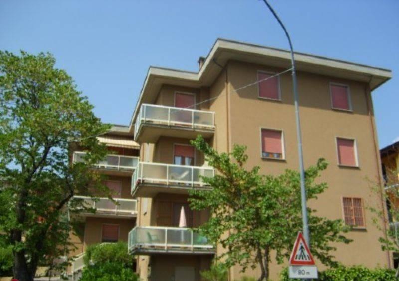 foto  Trilocale buono stato, terzo piano, Corte Brugnatella