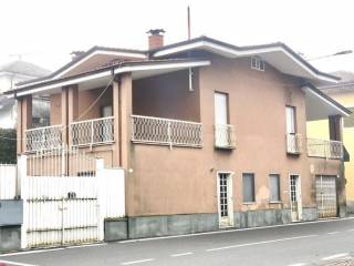Photo - Detached house piazza Roma, Monteu Roero