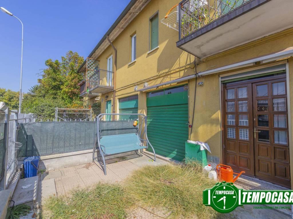 foto Giardino 3-room flat via Alessandro Volta, Vernate