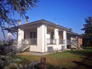 Photo - Single family villa, good condition, 235 sq.m., Sale
