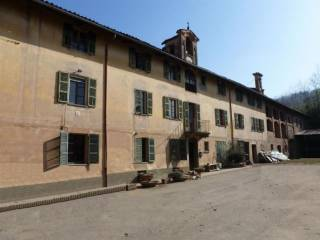 Photo - Detached house 1000 sq.m., to be refurbished, Saluzzo
