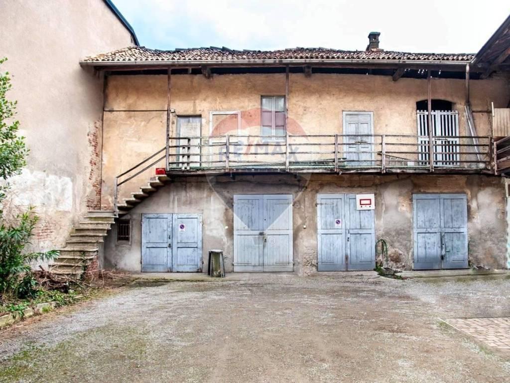 foto Esterno Rustico via Milano, 28, Casorate Sempione