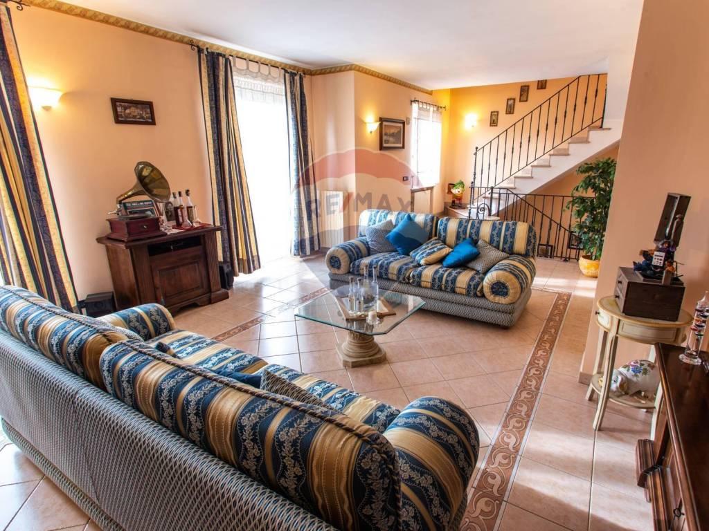 foto Soggiorno Terraced house via giacomo gallo, 10, Caramagna Piemonte