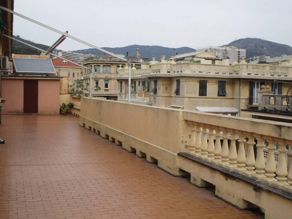 foto  Penthouse excellent condition, 127 sq.m., Genova