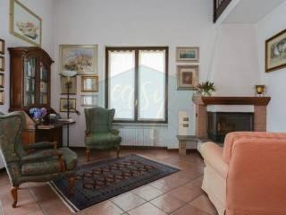 Foto - Villa unifamiliare via Papa Giovanni XXIII, Lozza