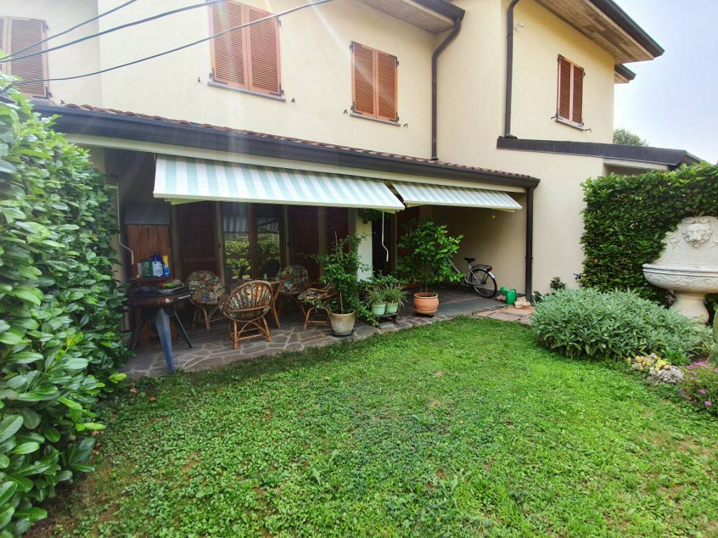foto  Terraced house 4 rooms, Carvico