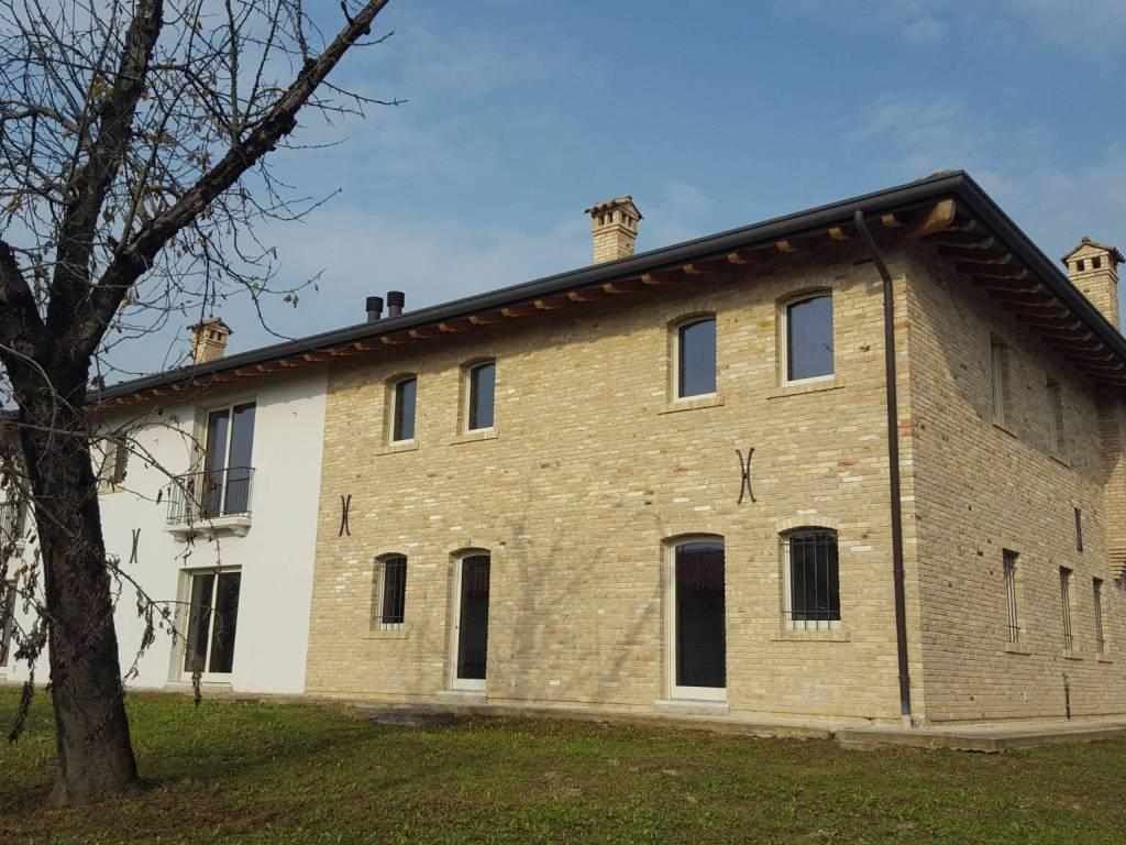 foto  Villa unifamiliare, ottimo stato, 300 mq, Chions