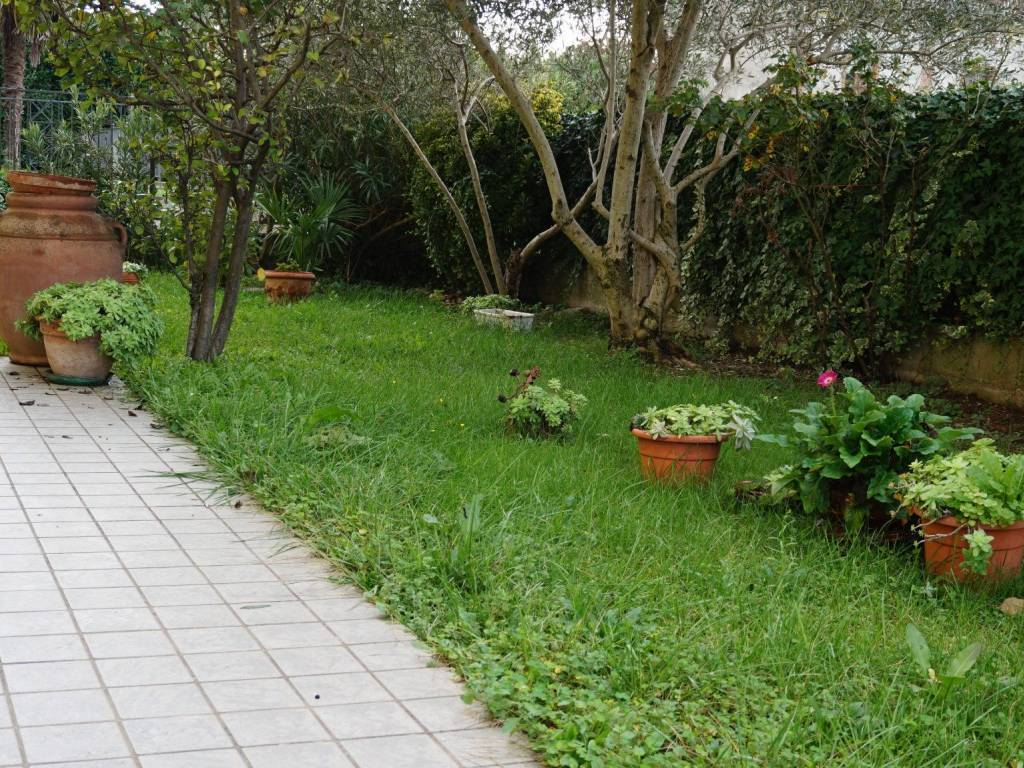 foto giardino Apartment ground floor, Treviglio