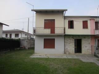 Photo - Two-family villa, to be refurbished, 180 sq.m., San Martino di Lupari