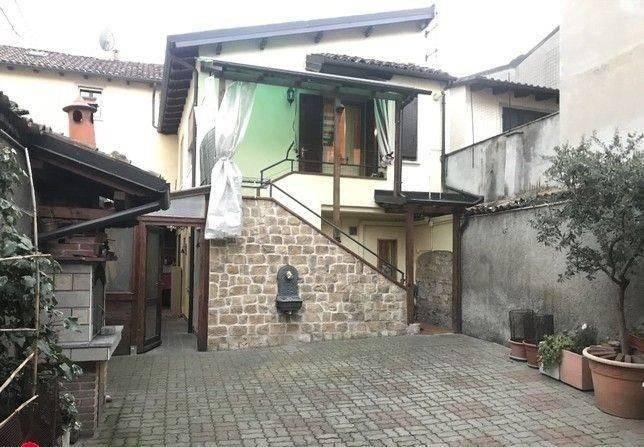 foto  Detached house 140 sq.m., excellent condition, Tortona