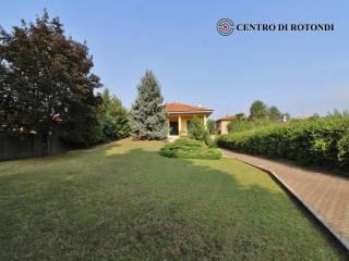 Photo - Single family villa via Magenta 22, Cerro Maggiore