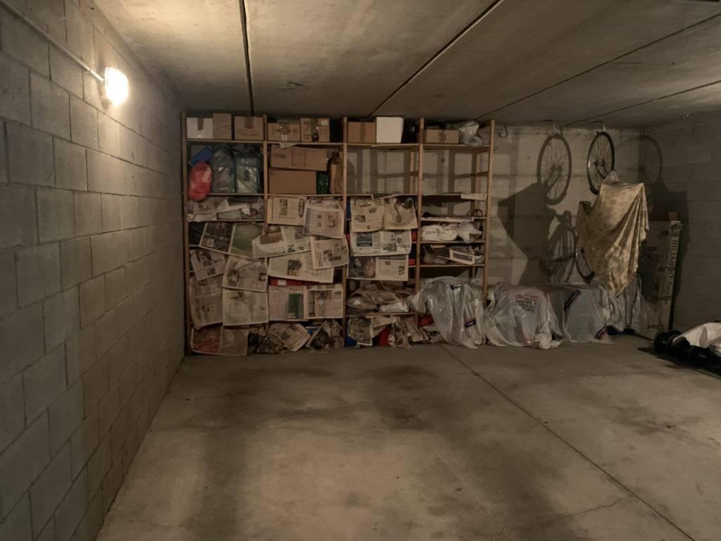 foto  Box / Garage via Repubblica, Novate Milanese