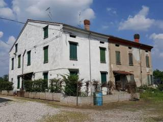 Photo - Country house, to be refurbished, 250 sq.m., Luzzara