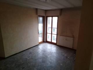 Photo - 2-room flat via Giuseppe Nembrini 54, Grumello del Monte