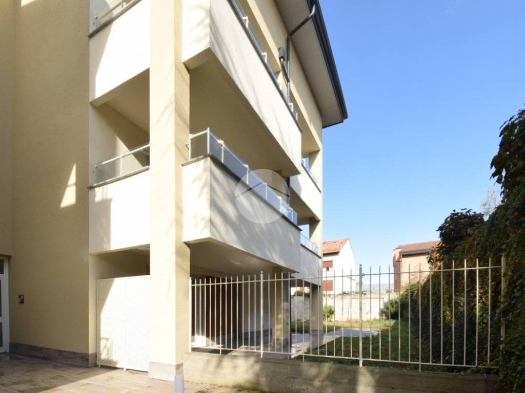 foto esterno Trilocale via Montello, Seregno