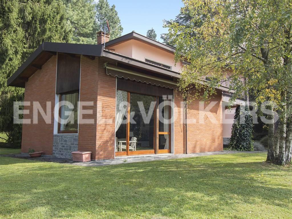 foto Facciata Villa unifamiliare via al Martinello, Castello Cabiaglio