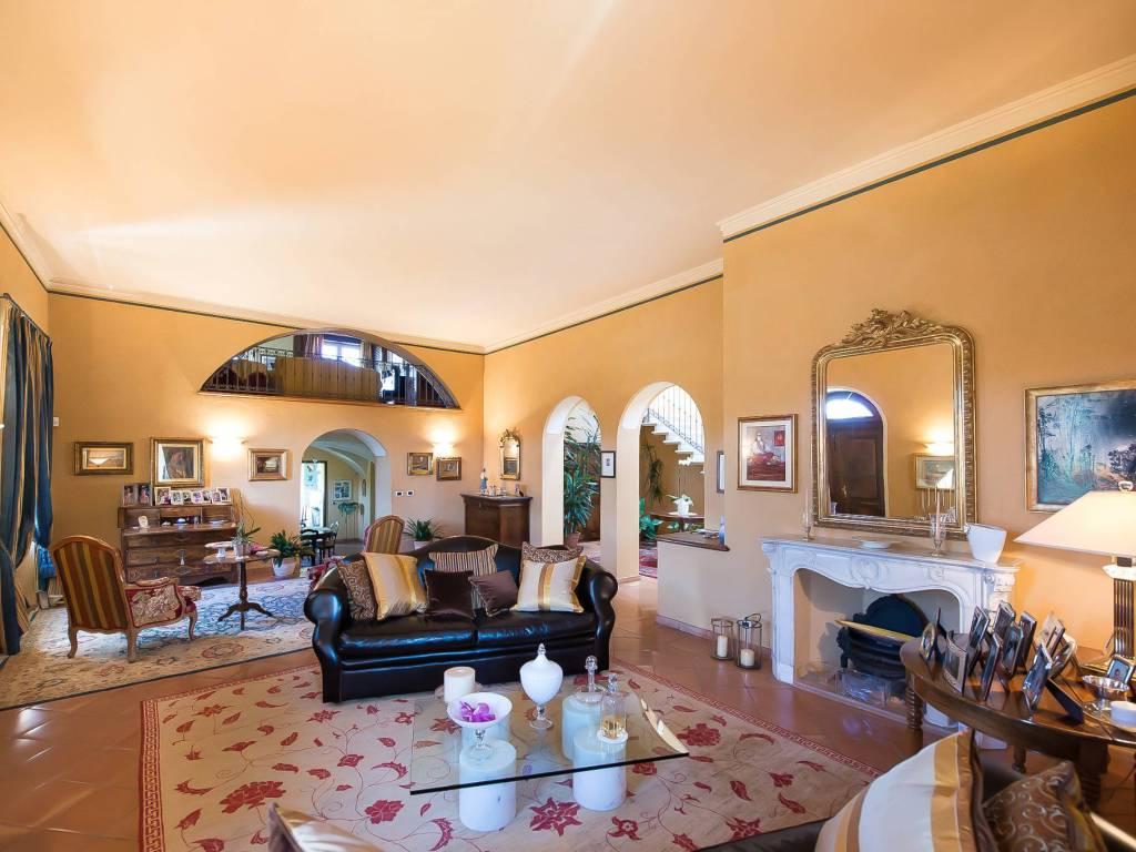 foto salone Single family villa Strada Statale del Colle di Nava Sud 19, Mondovì